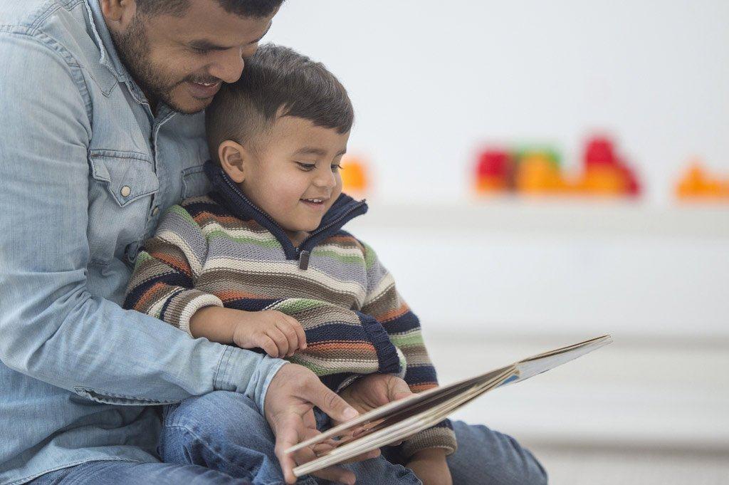 dad son reading