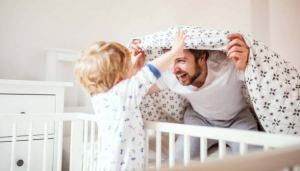 DAD-Toddler-HidenSeek-576x328